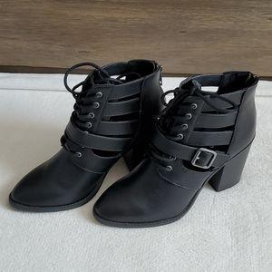 Madden Girl Marv Black Pari Heels